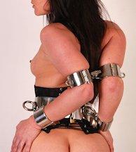 Elbow restraint bondage